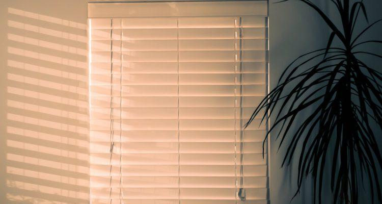 gordijnen, jaloezieen, raamdecoratie